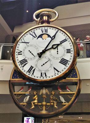 ...einer noch spezielleren Uhr.