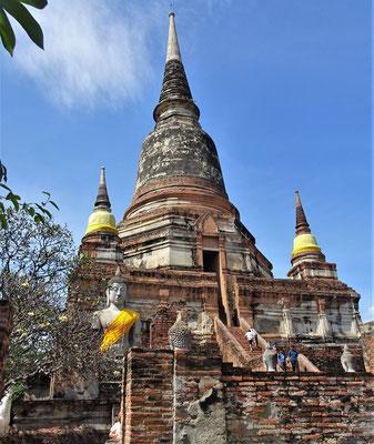Der grosse zentrale Stupa......