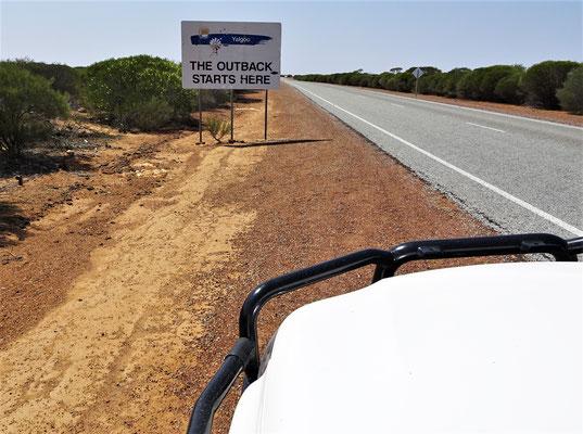 Hier beginnt das Outback.....