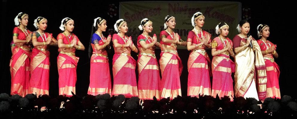 ...im traditionellen Indischen...