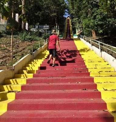 Diese Treppen......nahmen wir nicht......wir fuhren.....