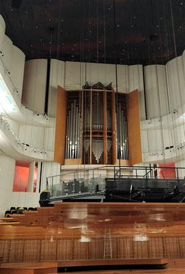 Der Konzertsaal mit.....
