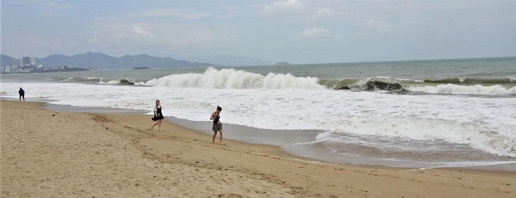 Badeverbot bei diesen Wellen.
