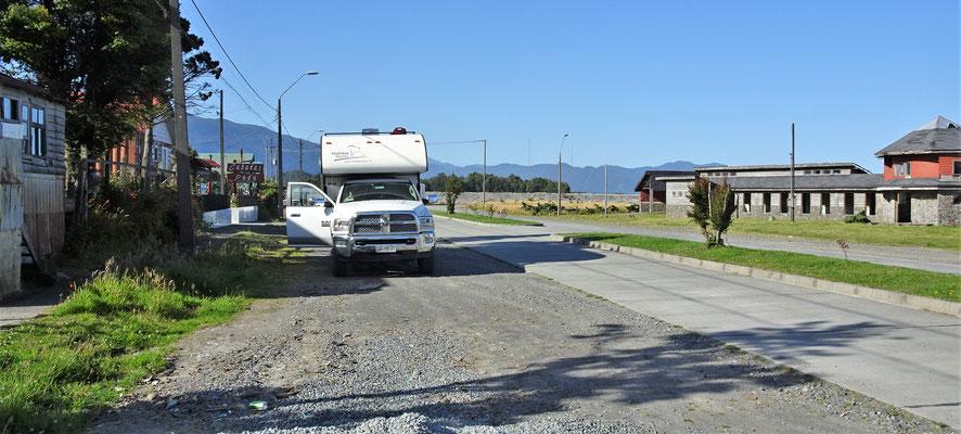 """Unser """"wilder"""" Camping in Chaiten am nächsten Morgen."""