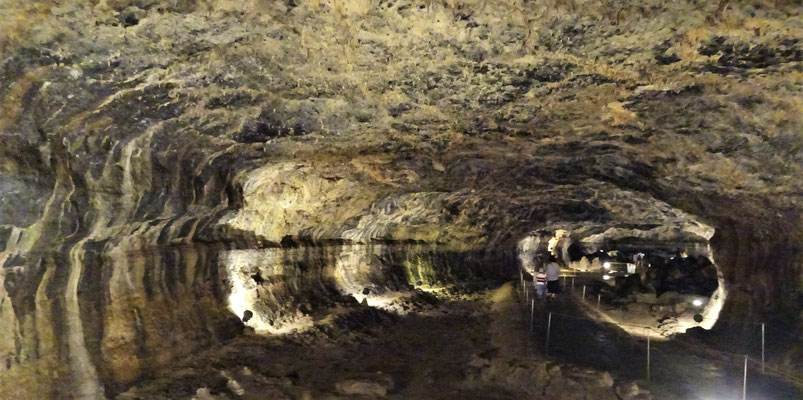Eine Lavahöhle.....