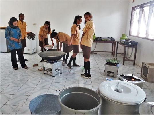 Die Schulküche für den Kochunterricht.
