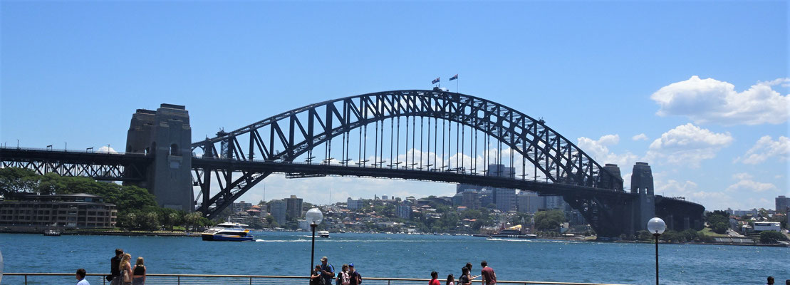 .....Die Harbour Bridge.