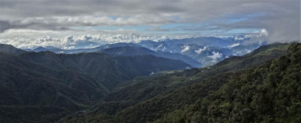 Quer durch die Berge nach.....