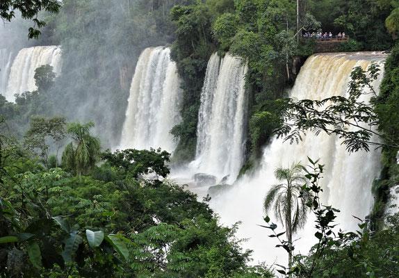 ....EIN Wasserfall sondern sehr viele.