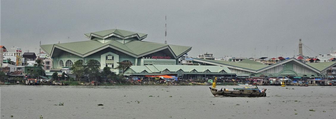Die neue Markthalle an Land. Der Tod für den Floating Market.