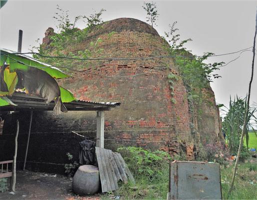 Die alten runden Brennöfen. Nicht mehr in Betrieb.