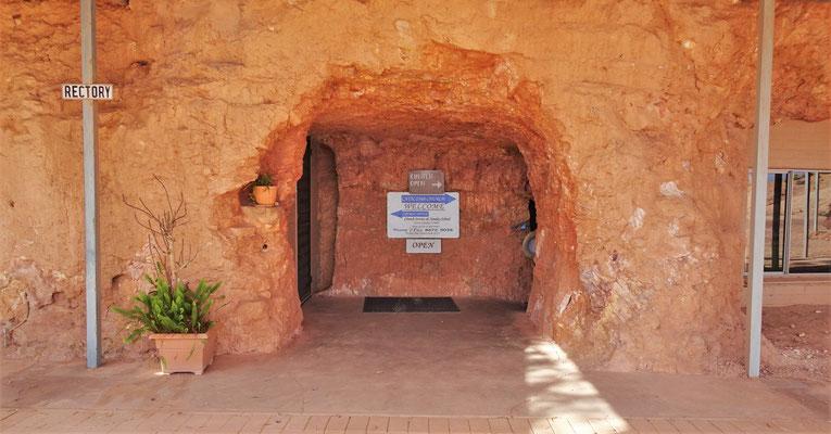 Die Catacomb Church (Name von den Römischen Katakomben)