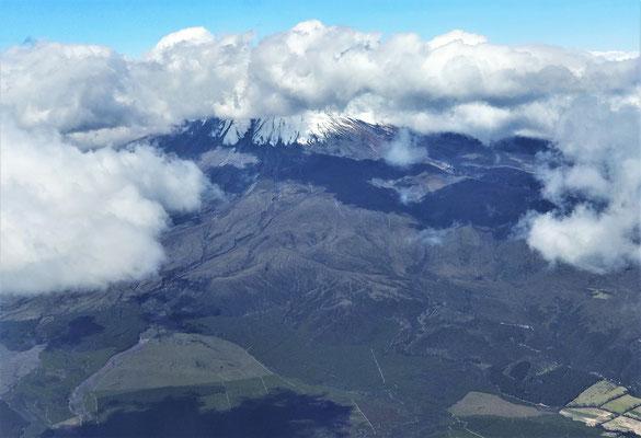 Der Vulkan Cotopaxi mit......