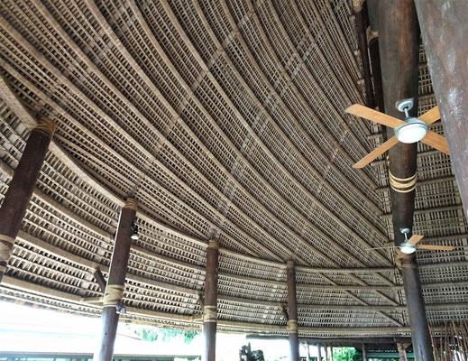 ....Dach-Holzkonstruktion.....