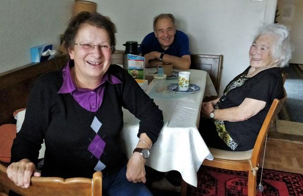Colettes Schwester und Eltern.