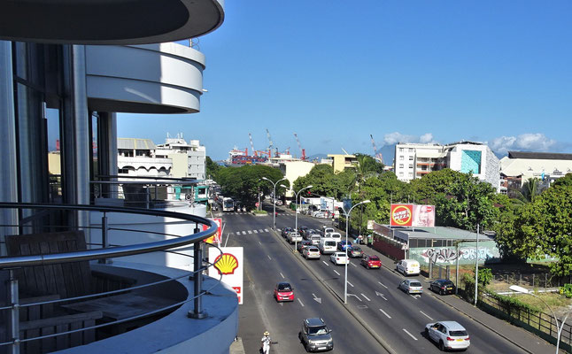 Der Ausblick von Tahiti Nui Hotel in Papeete......