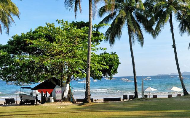 Der Strand vor dem Hotel.