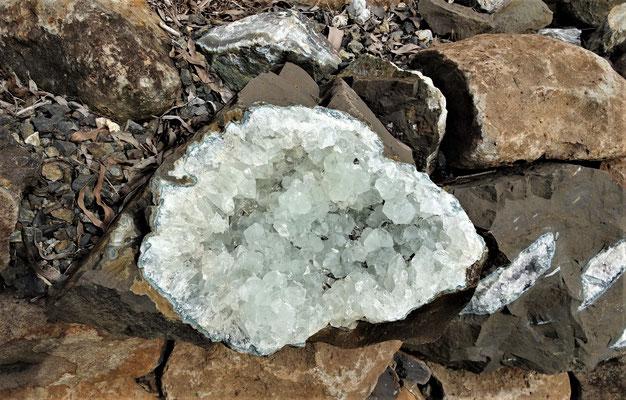 ...wurden mit diesen Steinen gebaut.