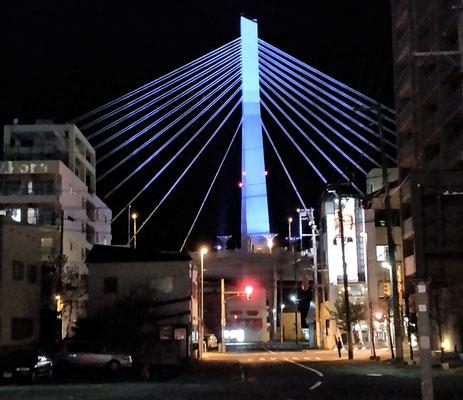 ....und die Brücke....