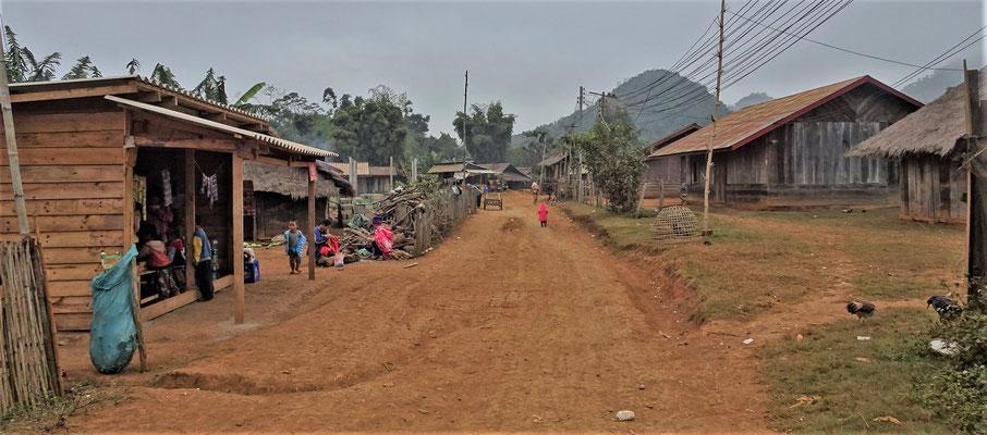 Die Dorfstrasse......