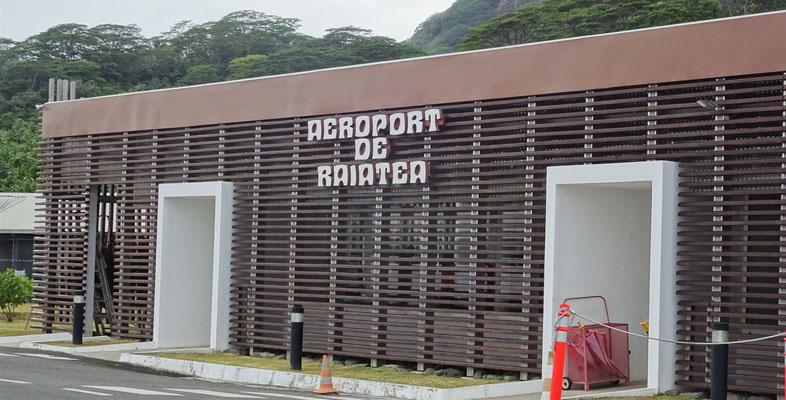Airport von Raiatea mit.....
