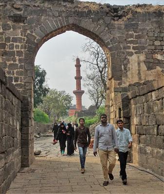 ...mit dem Chaud Minaret...