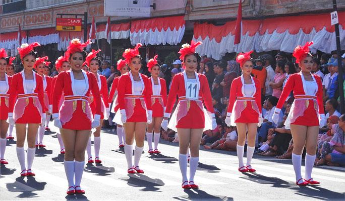 Die Parade zum Nationalfeiertag....