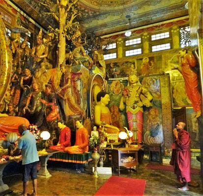 Die grossen Buddha Statuen....