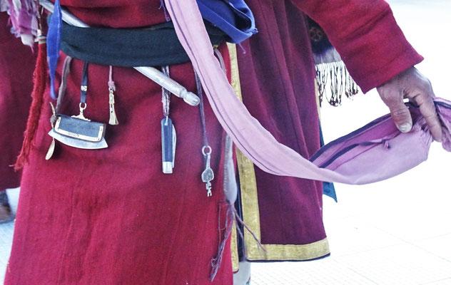 Detail vom Gurt mit dem Hausschlüssel