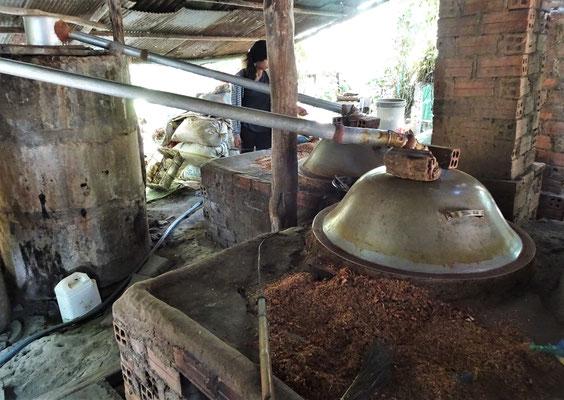 Pro Tag werden ca. 15 Liter gebrannt.