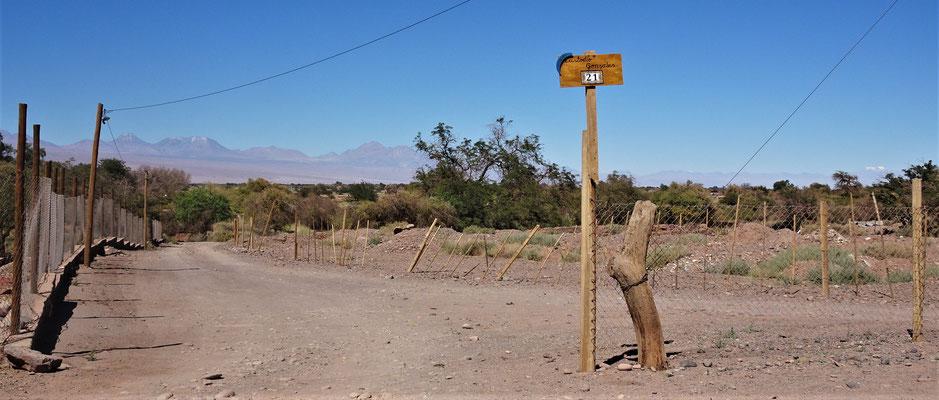 Das Hinweisschild bei der Zufahrt.....