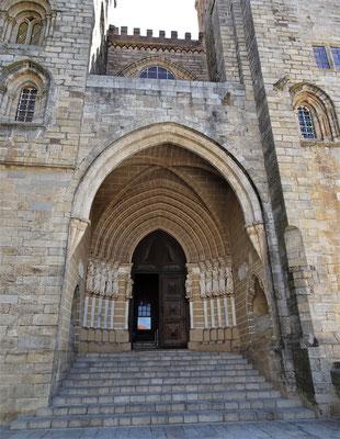 Die Kathedrale aus dem 13. Jh.