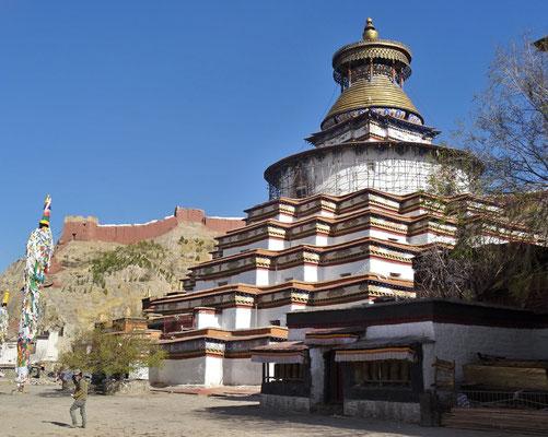 Der Stupa wird renoviert