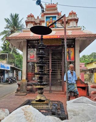 Ein Hindu Tempel der...