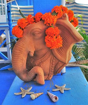 Wir verabschieden unseren Ganesha....