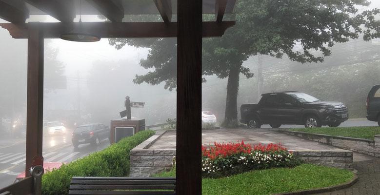 .....nach dem Essen mit viel Nebel.