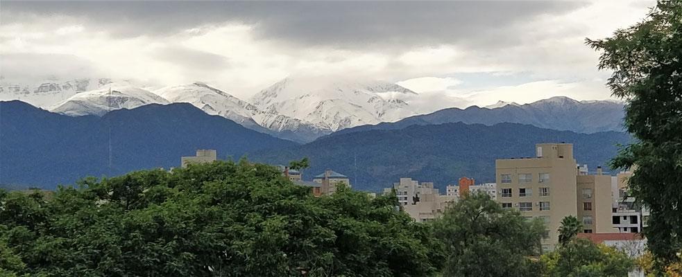 Der Blick in die Berge nach dem heftigen Gewitter.