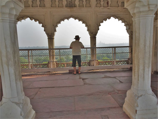 ...zum Taj Mahal.