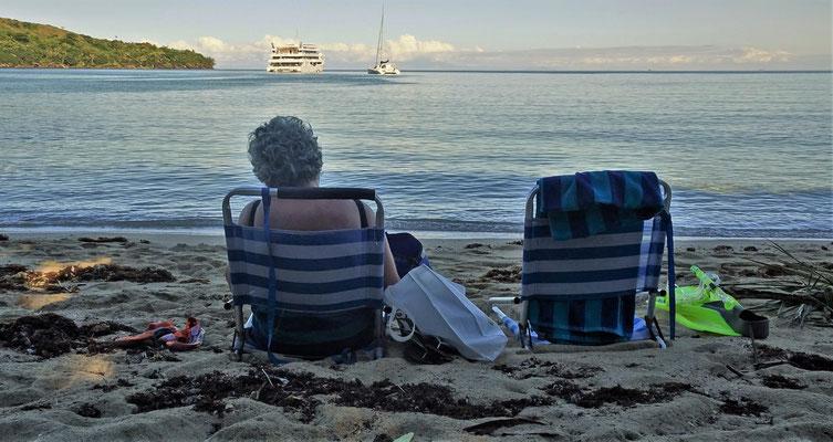 .....den Strand geniesst.
