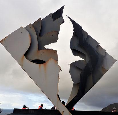 ....zum Albatros-Monument....