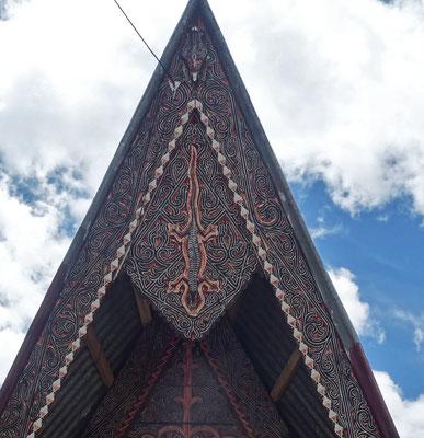 ..Dachdetail und dem Geko als Ornament.