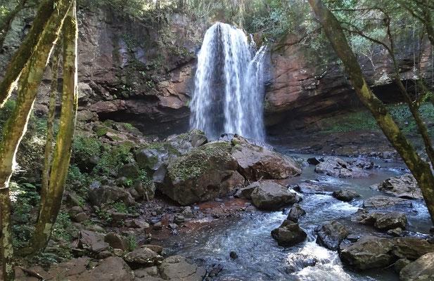 Der kleine Wasserfall.....