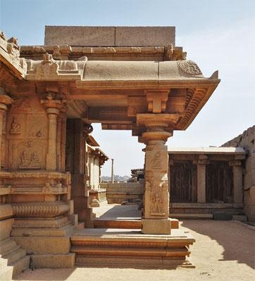 ...Hazararama Tempel....