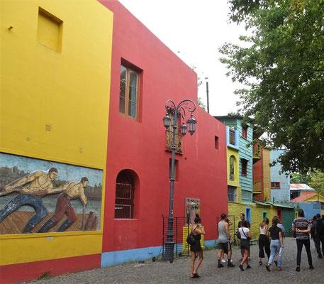 .....farbiger Touristen-Treff.
