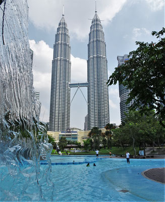 ....die KLCC (Petronas Twin Tower)....
