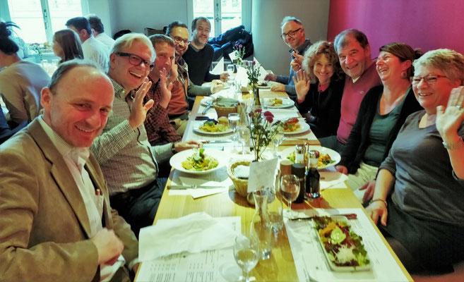 Mittagessen mit der Express-Gruppe.