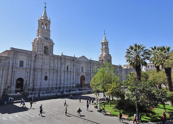 .....und der Kathedrale in......