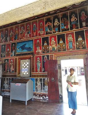 Der Hindutempel mit seinem.....
