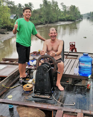 ....dem neuen Kapitän und unserem Guide Lee.