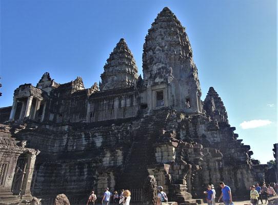 Blick auf den Tempel.